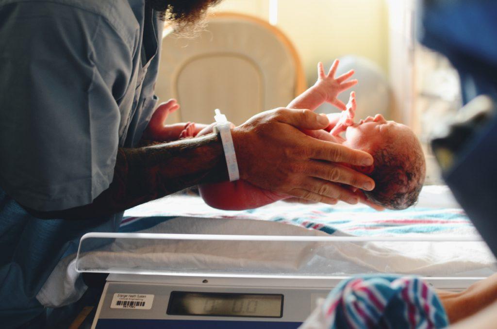 【まとめ】出産グッズとやることまとめ。入退院時の準備と事務手続き。
